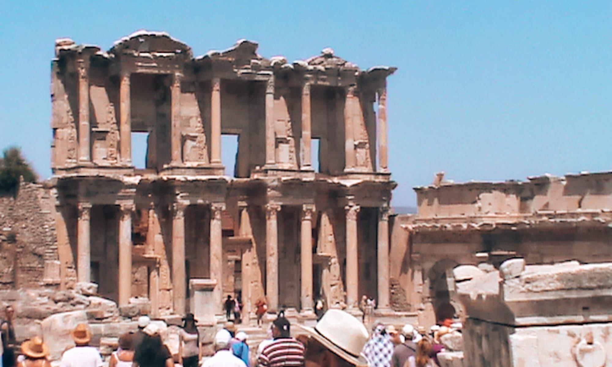 Templo de Ártemis em Éfeso, Turquia © lavidaesmara