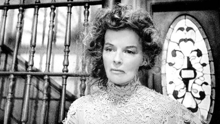 "Katharine Hepburn em ""Longa Viagem para a Noite"" (1962) © First Company"