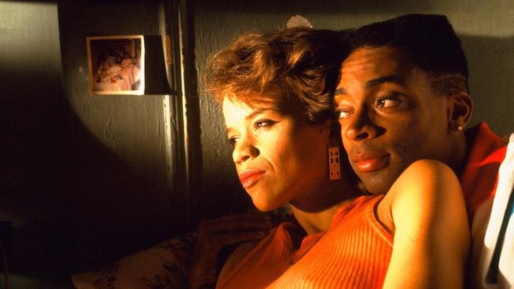 """Spike Lee e Rosie Perez em """"Não Dês Bronca"""" (1989) © 40 Acres & A Mule Filmworks"""