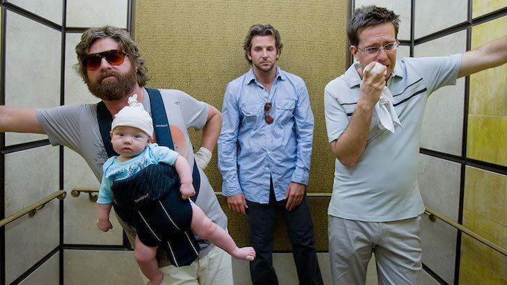 """Bradley Cooper, Zach Galifianakis, e Ed Helms em """"A Ressaca"""" (2009) ©"""