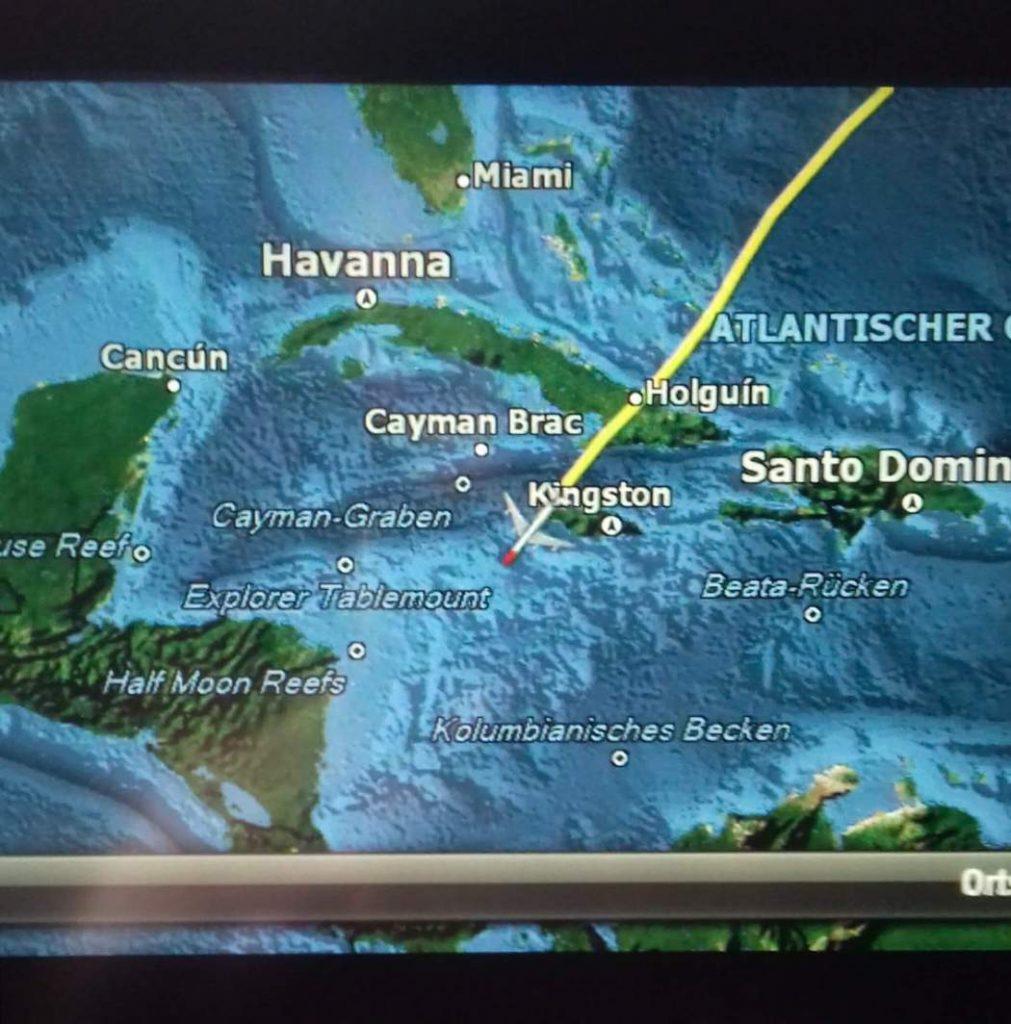 Dicas para uma longa viagem de avião © lavidaesmara