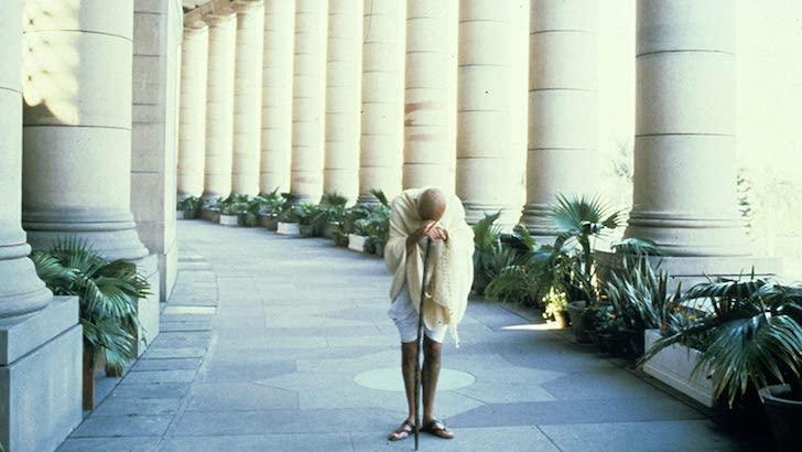 """Ben Kingsley em """"Gandhi"""" (1982) © International Film Investors"""