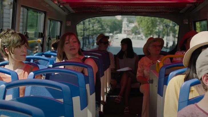 """Itsaso Arana dentro de um autocarro turístico em """"La Virgen de Agosto"""" © Los Ilusos Films"""