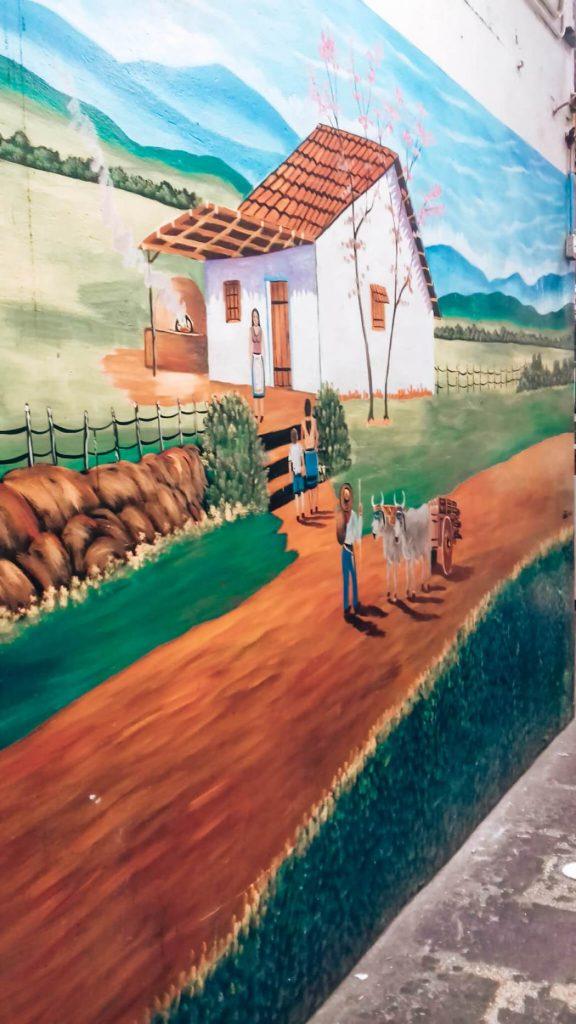 Arte nas paredes do Mercado Central de San José © lavidaesmara