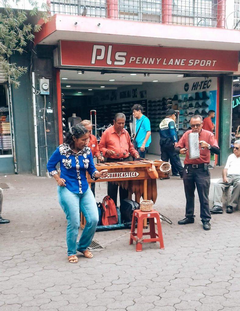 Pelas ruas de San José © lavidaesmara