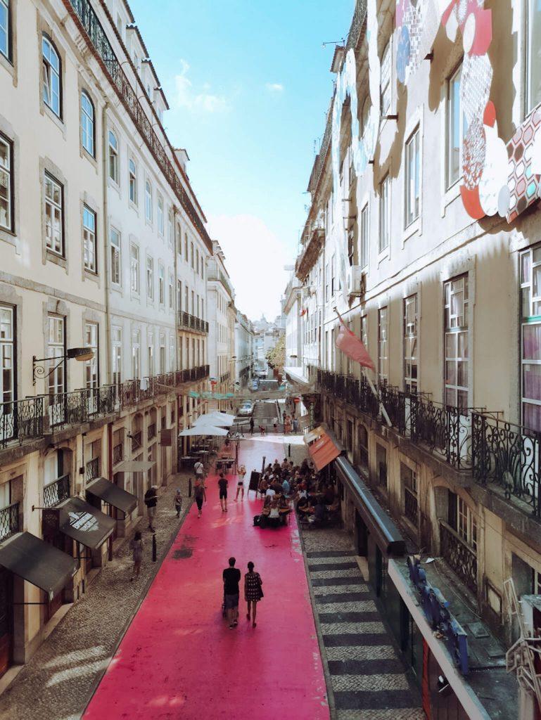 Rua Cor de Rosa em Lisboa © lavidaesmara