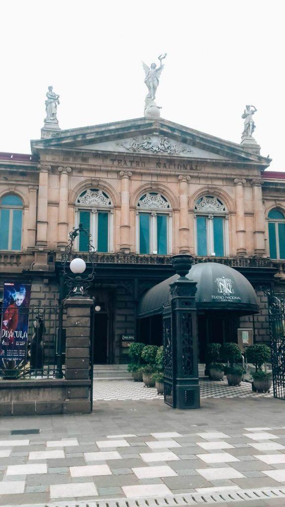 Teatro Nacional de Costa Rica © lavidaesmara