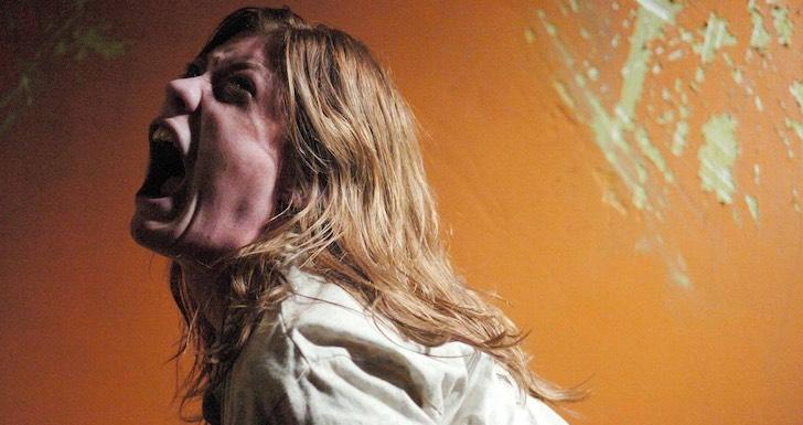 """Jennifer Carpenter em """"O Exorcismo de Emily Rose"""" (2005) © Screen Gems"""