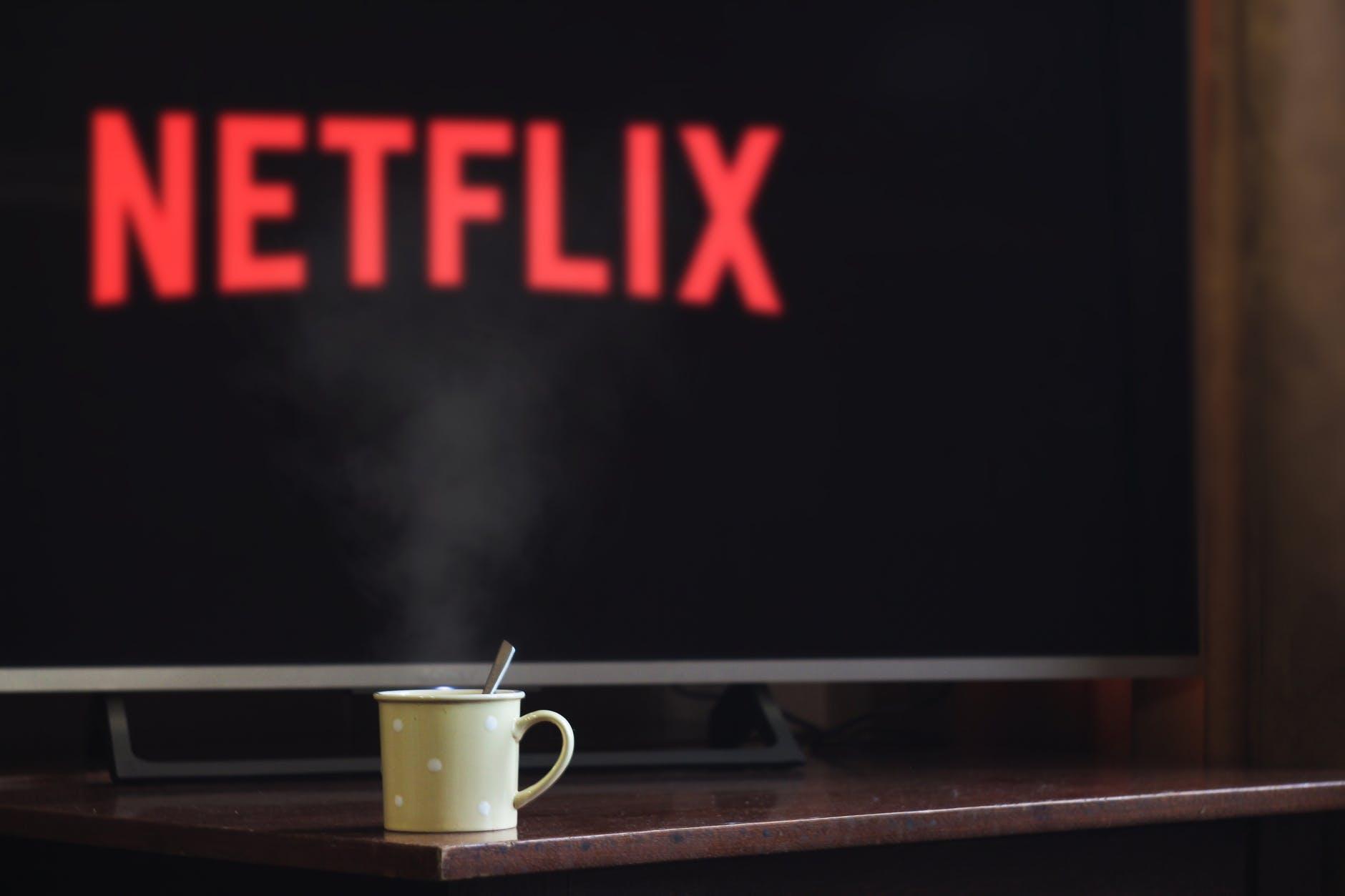 Filmes para ver na Netflix no Dia das Bruxas © Pexels