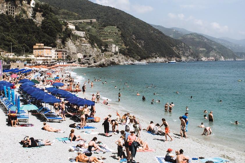 Desfruta da praia na costa do Mar Adriático © Rachel Claire, Pexels