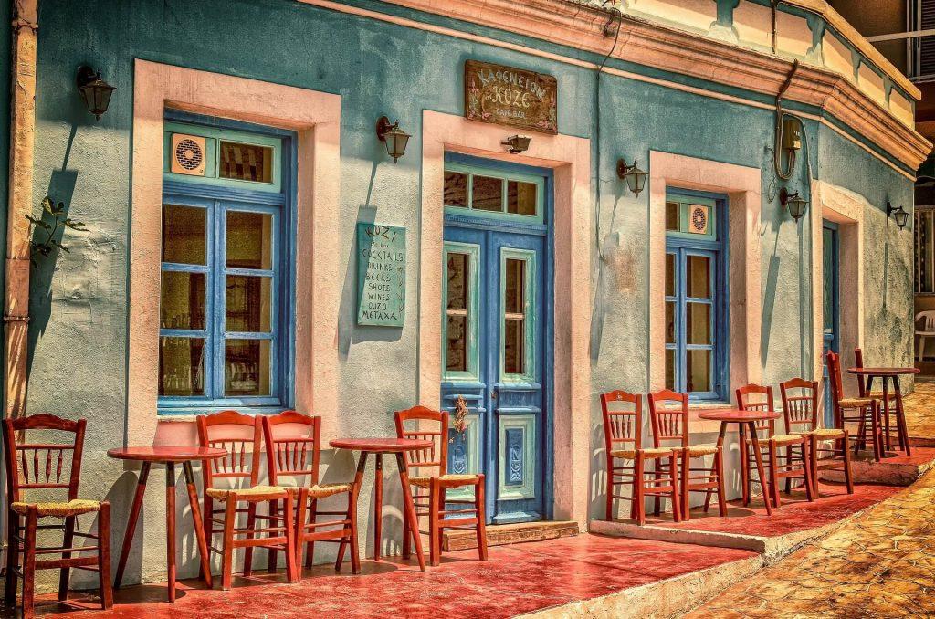 Fachada de um restaurante na Grécia © Pixabay