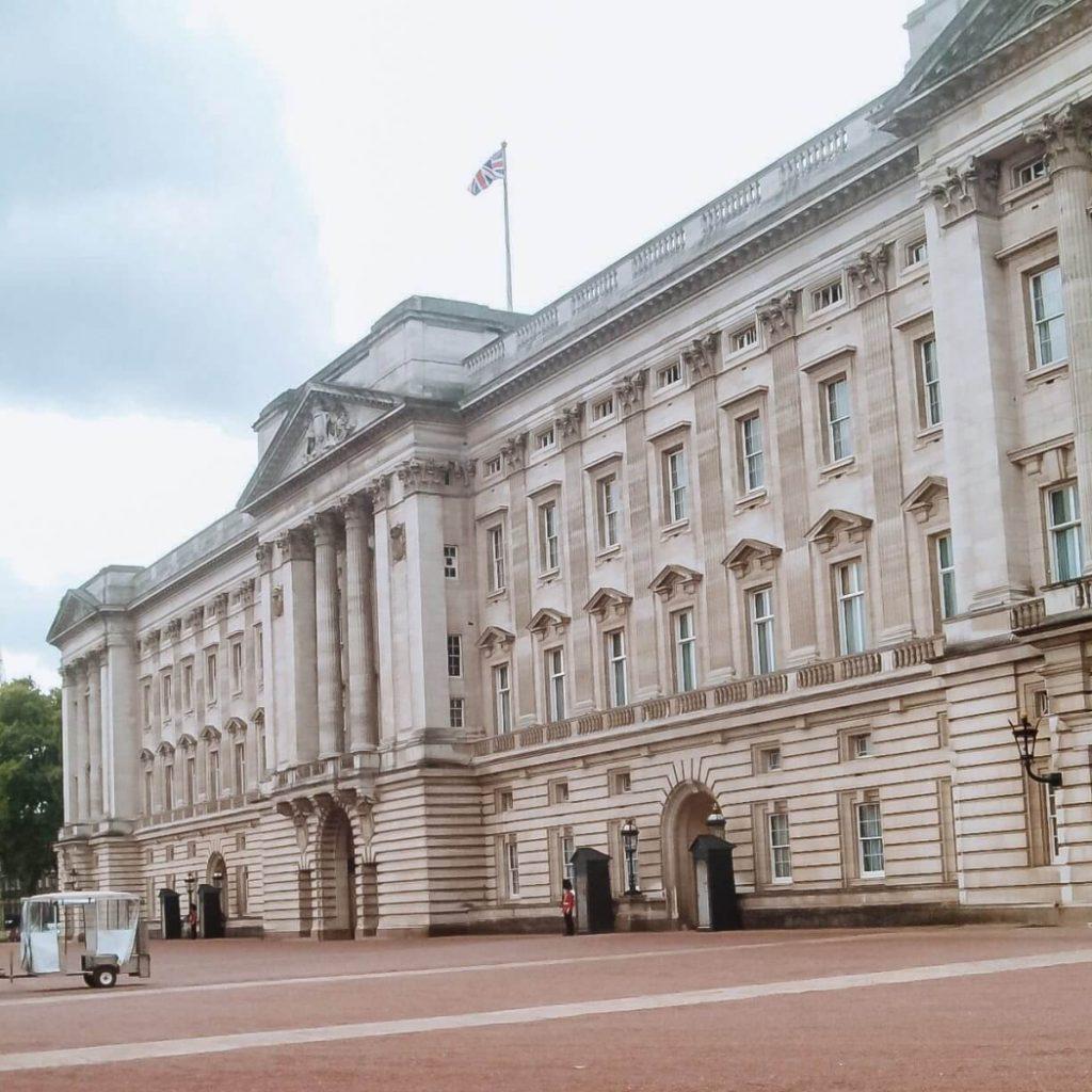 Buckingham Palace © lavidaesmara