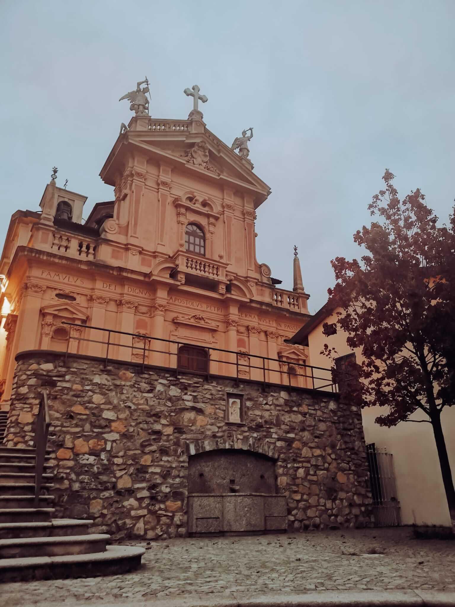 Igreja de Santo André em Brunate